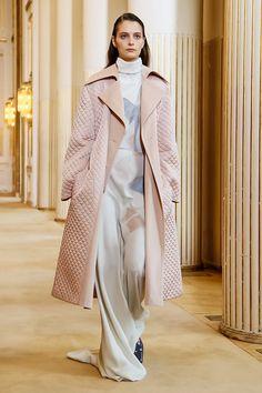 Coat Trend for FW18 at PFW: 50 Shades of Pink Coats. Nina Ricci Fall Winter 2018 Paris Fashion Week.