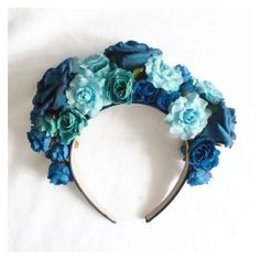 Lana Del Rey Born To Die Blue Flower Crown ❤ liked on Polyvore featuring accessories, hair accessories, blue flower crown, flower garland, blue flower garland, flower crown and floral crown