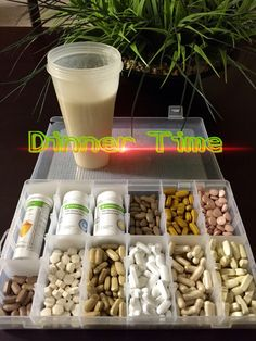 Everything your body needs in a glass! My Herbalife Shake is packed with nutrients and vitamins plus my tablets to complete my meal. Herbalife Nutrition Facts, Herbalife Meal Plan, Herbalife Shake Recipes, Herbalife 24, Herbalife Products, Healthy Crockpot Recipes, Healthy Dessert Recipes, Healthy Drinks, Nutrition Club