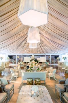 Soft Modern Feel de Gournay Dreams   Easton Events Photography by Aaron Delesie