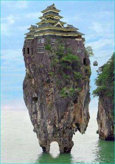 Koh Tapu Phuket, Thailand どうしてタイに日本の城にそっくりな建築物がこんな風にして建っているの???
