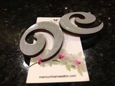 Hand made by Manouchka Massillon. www.manouchkamassillon.com        #handmade #fashion #Woodenearrings