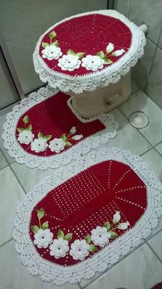Set of 3 pieces for bathroom wool hook handmade carpet decoration Crochet Wool, Crochet Crafts, Crochet Doilies, Crochet Projects, Knitting Patterns, Crochet Patterns, Donia, Diy Crafts For Kids, Christmas Crafts