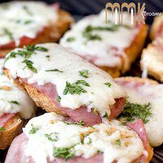 Jambonlu sarımsaklı Ekmek Tarif için; www.yappisirye.com