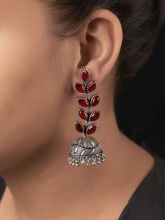 Intricately handcrafted Earrings ensured to give a contemporary traditional look. Indian Jewelry Earrings, Jewelry Design Earrings, Silver Jewellery Indian, Fashion Earrings, Silver Jewelry, Fashion Jewelry, Silver Bracelets, Silver Ring, Silver Earrings