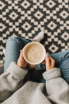 Modern Crochet Rug Pattern, Scandinavian Rug Design by Belkin Home Coffee Love, Coffee And Books, Coffee Art, Coffee Shop, Handmade Home, Happy Sunday Quotes, Crochet Rug Patterns, Crochet Rugs, Modern Crochet