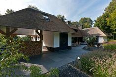 Prachtige villa met overkapping, houtopslag voor een aangenaamde temperatuur in deze prachtige villa