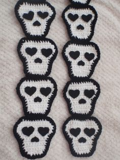 crochet halloween skull scarf