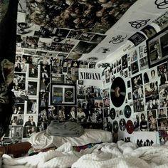 {bedroom} {DIY} {teen} {inspiration} - {bedroom} {DIY} {teen} {inspiration} Source by - aesthetic bedroom Retro Room, Vintage Room, Bedroom Vintage, Vintage Decor, Room Ideas Bedroom, Bedroom Decor, Bedroom Inspo, Bedroom Inspiration, Grunge Bedroom