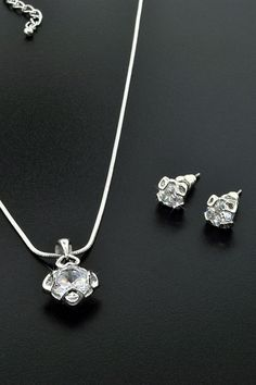 Glam & Glitter Elegant Crystal Necklace and Earrings Set - Beyond the Rack