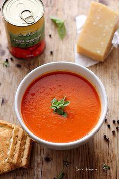 Supa crema de rosii cu busuioc si parmezan detaliu Brunch Recipes, Baby Food Recipes, Soup Recipes, Cooking Recipes, Cooking App, Cooking For A Crowd, Healthy Diet Recipes, Vegetarian Recipes, Warm Food