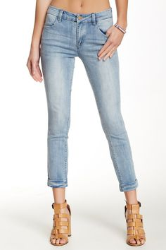Mid-Rise Cuffed n' Cropped Light Indogo Size 24/00 Jeans