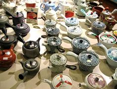 image of Japanese teapots