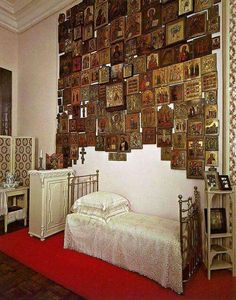 The bedroom of Empress Alexandra Feodorovna of Russia at the Alexander Palace.A♥W