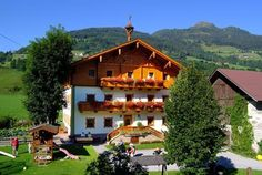 Stubnerbauer Bad Hofgastein A walk from the centre of Bad Hofgastein, this renovated farmhouse offers spacious rooms and apartments with a balcony. Free Wi-Fi is available. Hotels, Farmhouse Remodel, Bad, Balcony, Europe, Cabin, House Styles, Austria, Wi Fi