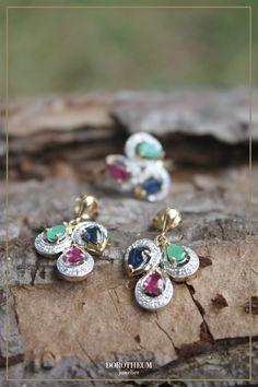 Eleganz pur! Wer auf Trachtenschmuck steht, der etwas dezenter und edler ist, sollte auf diese Ohrringe nicht verzichten. Ab jetzt im Onlineshop reduziert erhältlich! Charmed, Bracelets, Jewelry, Fashion, Color Stone, Stones, Moda, Jewlery, Jewerly