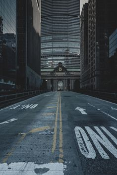 really into this street photography >>pinterest skysurf<<