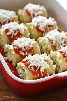These EASY lasagna rolls are stuffed with zucchini, ricotta and Parmesan, then topped with marinara and mozzarella cheese – delicious, kid friendly and perfect if you want to feed a crowd. You can make them a day ahead and refrigerate, or if you like to cook for the month, these are also freezer-friendly. Double it up, or bring an extra to a friend in need, they'll thank you! (BTW, they're vegetarian also, perfect for Meatless Mondays!)     By now I'm sure you figured out I LOVE zucchini…