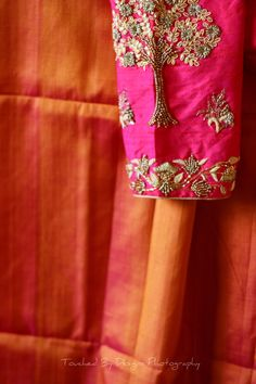 Brocade Blouse Designs, Pattu Saree Blouse Designs, Simple Blouse Designs, Stylish Blouse Design, Bridal Blouse Designs, Kurta Designs, Sleeves Designs For Dresses, Sleeve Designs, Couture Beading