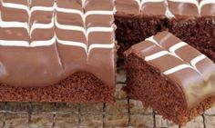 Mary Berry Cooks: Rich chocolate tray bake with feathered icing. i'll be making this once my chocolate free month is over! Chocolate Traybake, Chocolate Bars, Mary Berry Chocolate Cake, Mary Berry Ganache, Chocolate Sponge Pudding, Chocolate Souffle, Mary Berry Cooks, Mary Berry Baking, Traybake Cake