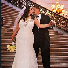 This bride, whose neckline stole the show: | 26 Curvy Brides Who Nailed The Wedding Dress Game