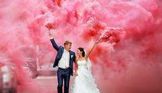 casal-casamento-fumaça-colorida                                                                                                                                                                                 Mais