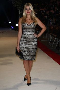 Holly Willoughby Photos Photos - (UK TABLOID NEWSPAPERS OUT) Holly Willoughby attends the UK premiere of The Twilight Saga: Breaking Dawn Part 1 at Westfield Stratford City on November 16, 2011 in London, United Kingdom. - The UK Premiere of 'Breaking Dawn'