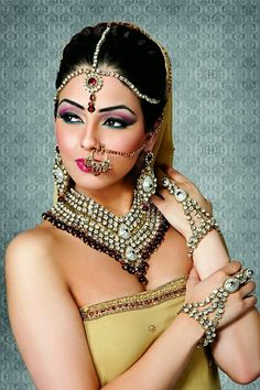 Unbelievable Tips Can Change Your Life: Beaded Bridal Jewelry beaded jewelry wedding. Asian Bridal Makeup, Indian Makeup, Bridal Makeup Looks, Bride Makeup, Indian Beauty, Bridal Beauty, Bridal Makeup Videos, Indian Wedding Jewelry, Indian Jewelry