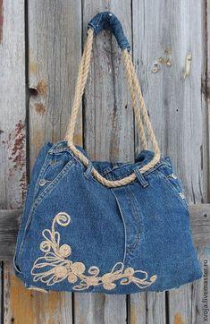 20 Modelos de Bolsas com Moldes e Passo a Passo - Wail Tutorial and Ideas Diy Jeans, Bag Quilt, Denim Handbags, Denim Purse, Denim Crafts, Recycled Denim, Linen Bag, Fabric Bags, Quilted Bag