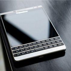 BlackBerry Passport SE Blackberry Passport, Blackberry Z10, Tech Gadgets, Cool Gadgets, Blackberry Mobile Phones, Top Smartphones, Best Mobile Phone, Tablets, Cool Tech