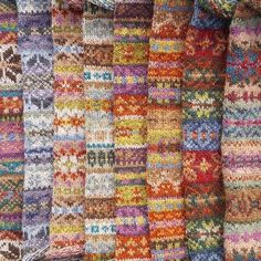 AnneLiseL's Traditional fairisle blanket – Knitting Blanket Beginner Fair Isle Knitting Patterns, Knitting Designs, Knit Patterns, Knitting Projects, Motif Fair Isle, Fair Isle Pattern, Lace Knitting, Knitting Stitches, Vogue Knitting