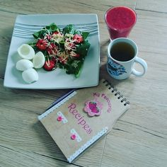 Gardenspinach with strawberries and cheese #summerthings#healthylife #lifestyleblogging#polishkenyanlife #polishkenyanblogging.