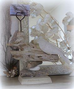 Porte photo en bois flotté et oiseau en bois chantourné. : Accessoires de maison par boisflottecorsica