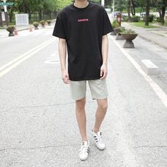 Korean Outfits, Short Outfits, Trendy Outfits, Cool Outfits, Summer Outfits, Fashion Outfits, Teen Boy Fashion, Korean Fashion Men, Men's Wardrobe