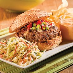 Burgers au Porc Barbecue Barbecue, Bar B Q, Nutrition, Pulled Pork, Hamburger, Food And Drink, Burgers, Ethnic Recipes, Ainsi