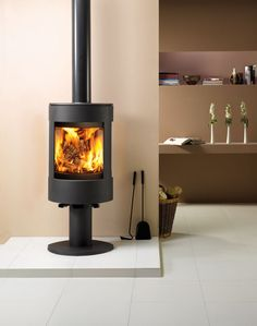 Dovre's new Astroline 3CB contemporary stove offers an exceptional view of the fire with a choice of two distinctive variants; wood and multi fuel options.