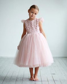 Elegant flower girl dress with air wings, tulle dress, girls dresses, first communion dress Girls Party Dress, Little Girl Dresses, Baby Dress, Girls Dresses, Flower Girl Dresses, Ball Gown Dresses, Tulle Dress, Mini Vestidos, Look
