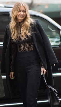 Gigi Hadid is looking chic in her all-black ensemble.