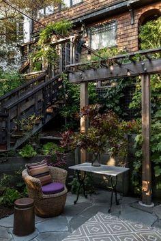 Best diy pergola ideas for small backyard 00029 Design Patio, Backyard Patio Designs, Backyard Landscaping, Garden Design, Patio Ideas, Landscaping Ideas, Garden Ideas, Diy Pergola, Pergola Kits