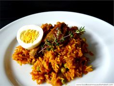 Tin fish biryani is an easy alternative to lamb or chicken biryani. A medley of rice, spice and tin fish (canned pilchards) West African Food, South African Recipes, Indian Food Recipes, Real Food Recipes, Ethnic Recipes, Light Recipes, Wine Recipes, Fish Biryani, Biryani Recipe