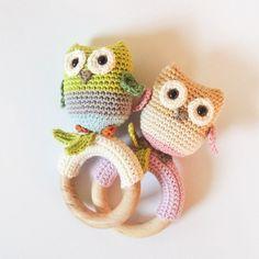 Crochet pattern rattle / teething ring little owls Amigurumi Crochet Hook Sizes, Crochet Motif, Diy Crochet, Crochet Toys, Crochet Patterns, Half Double Crochet, Single Crochet, Handmade Baby, Handmade Toys