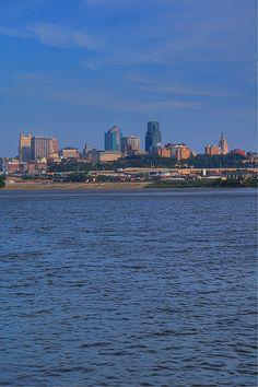 Skyline from across the Missouri River of Kansas City, Mo