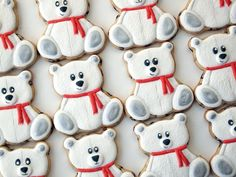 These polar teddy bear cookies use an easy to find Wilton cookie cutter, have a great furry look, sweet wide-eyed faces, and shimmery paws. Fancy Cookies, Iced Cookies, Cute Cookies, Cupcake Cookies, Christmas Sugar Cookies, Holiday Cookies, Christmas Biscuits, Teddy Bear Cookies, Cookie Tutorials