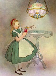Geweldige pinterestsite voor verjaardagsfeest ideetjes!  Alice in Wonderland, illustrated by Marjorie Torrey