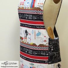 Crossback Reversible Apron sewing pattern by Indygo Junction – IndygoJunction Child Apron Pattern, Vintage Apron Pattern, Sewing Hacks, Sewing Projects, Sewing Tips, Craft Projects, Craft Ideas, How To Make Aprons, No Sew Curtains