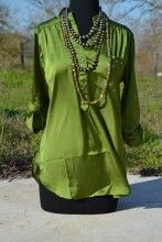This top is perfect to wear for virtually any occasion and to be paired with sooo many options! #fashion #fabulous