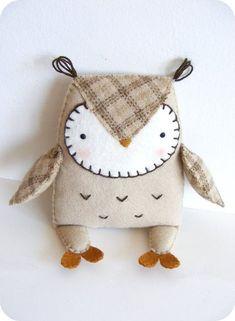 PDF pattern Felt owl softie. DIY easy sewing by iManuFatti #feltowls