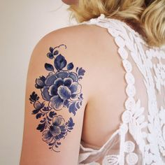 Large floral vintage Dutch 'Delfts Blauw' temporary tattoo from Tattoorary