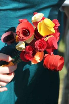 Put your own spin on a traditional wedding bouquet with homemade paper flowers.