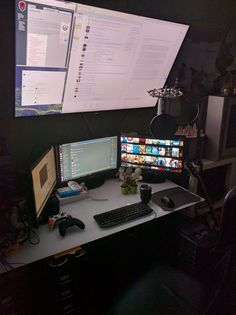 Sometimes people ask me why I have 4 monitors. Unfortunately because I can't fit a fifth one.
